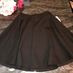 Black flowy Mini Skirt